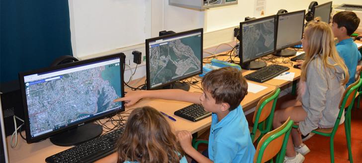En octobre et en novembre, des CE2 de l'école Serge-Laigle ont bénéficié d'une initiation aux outils géomatiques, animée par un agent du gouvernement.