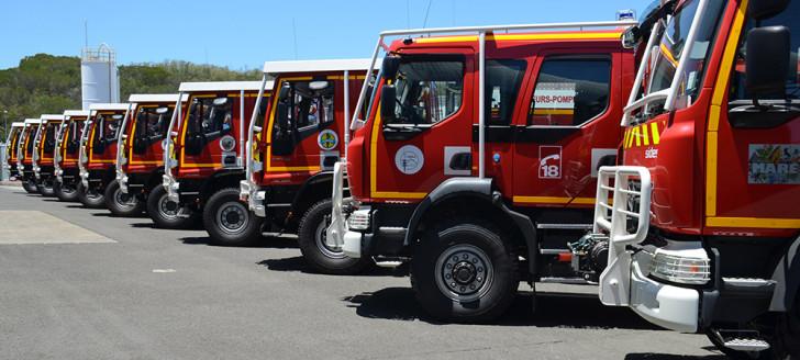 Achetés par la Nouvelle-Calédonie et l'État pour la somme de 418 millions de francs, les camions ont été confiés aux maires des communes disposant d'un centre de secours.