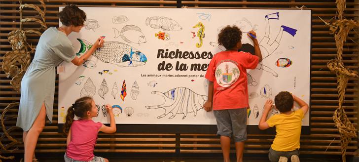 Les plus jeunes étaient invités à participer à un coloriage géant célébrant les richesses de la mer.
