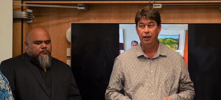 Thierry Santa s'est exprimé pendant la cérémonie d'hommage dédiée à Bruce Sheperd, consul général de la Nouvelle-Zélande.