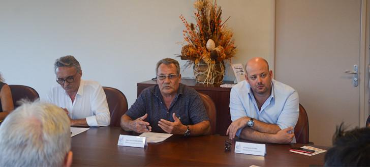 Jean-Louis d'Anglebermes et Christopher Gygès ont visité les locaux dédiés à la vaccination avant de répondre à quelques questions lors d'une rencontre avec la presse.