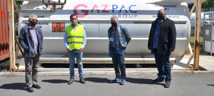 Yannick Slamet et Vaimu'a Muliava ont été reçus à Gazpac par Romain Babey, président de la société, en présence de Carold Vassilev, président d'honneur de la Fédération des industries de Nouvelle-Calédonie.