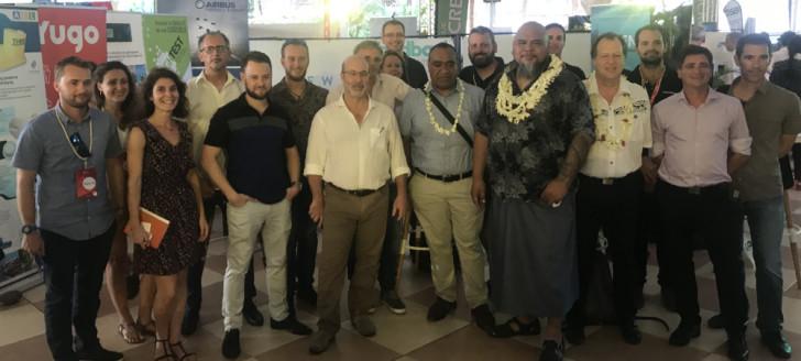 Vaimu'a Muliava, membre du gouvernement, et la délégation calédonienne au 3e Digital Festival de Tahiti.
