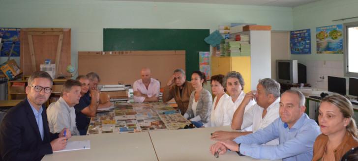 Isabelle Champmoreau, membre du gouvernement en charge de l'enseignement, a participé à la réunion qui s'est tenue à l'école James Paddon de Païta.