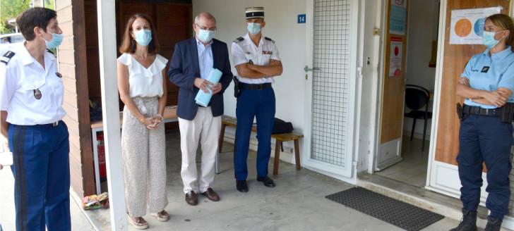 Laurent Prévost et Isabelle Champmoreau sont allés à la rencontre des gendarmes de la brigade de Dumbéa le 24 mars.