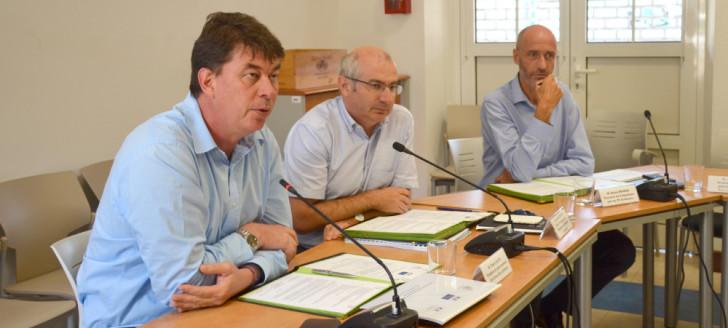 Thierry Santa, Laurent Prévost et Alexis Bouroz ont coprésidé la première réunion du COTAF et signé un protocole qui encadre l'échange d'informations entre les services, de manière sécurisée.