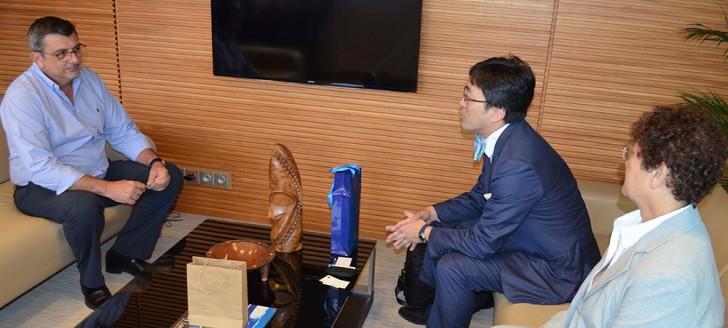 Avant de se rendre à Palm 8 où il rencontrera l'empereur Akihito, Philippe Germain s'est entretenu avec Kazuhiko Nakamura, n° 2 de l'ambassade du Japon en France.