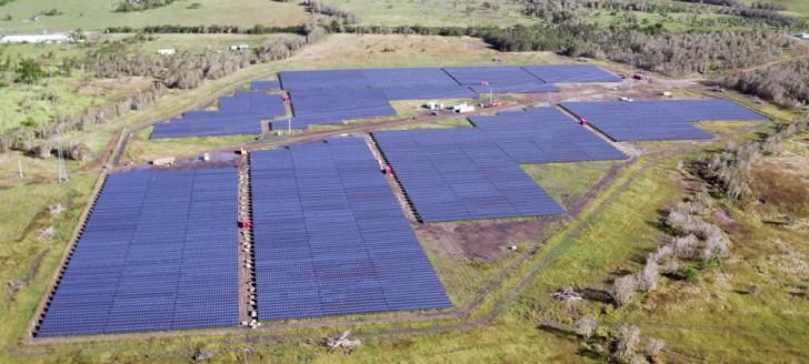 La plus grande centrale solaire de Nouvelle-Calédonie a produit ses premiers kilowattheures le 16 mai. ©DRONE NC