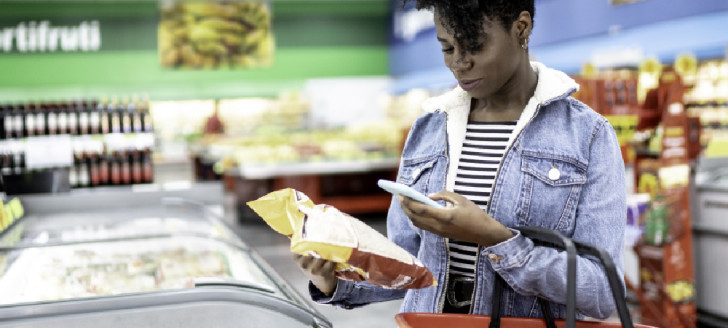 L'application prix.nc permet notamment de scanner le code barre d'un produit pour comparer son prix de vente dans 380 magasins.
