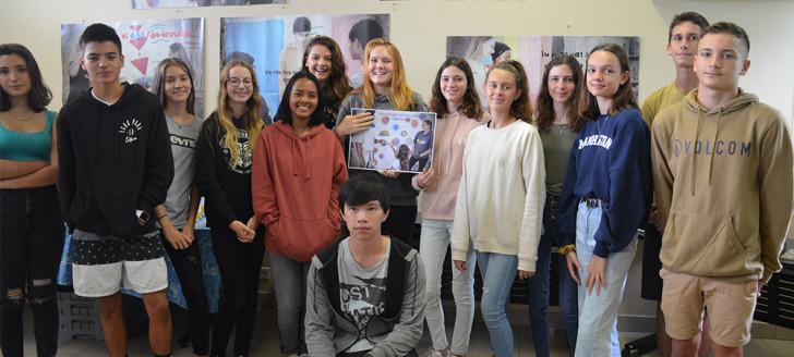 Les élèves du collège Jean-Mariotti ont réalisé des affiches aux messages forts pour lutter contre l'homophobie, avec l'aide de leurs professeurs et du photographe Xavier Berton.