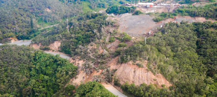 Le col de Katiramona est fermé à la circulation depuis le 7 février 2021 en raison d'un glissement de terrain consécutif au passage de la dépression Lucas