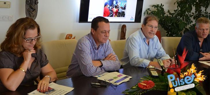 Le président de la Province Sud et son directeur de cabinet, Serge Newland, ont présenté à la presse les mesures provinciales en faveur du Pulse, jeudi 29 septembre.