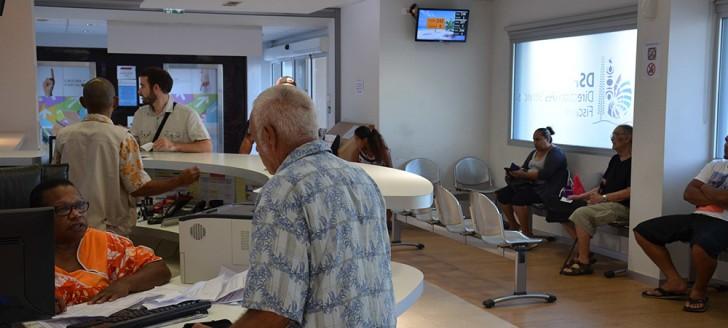 L'accueil de l'hôtel des impôts de Nouméa, qui peut recevoir jusqu'à 600 visiteurs par jour pendant la campagne de l'impôt sur le revenu, verra son effectif renforcé durant cette période.